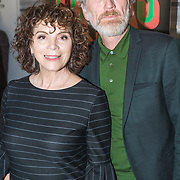 NLD/Amsterdam/20190224 - inloop toneelstuk Turks Fruit, , Henriette Tol en partner Rob Snoek