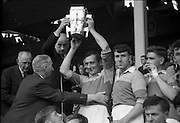 04/09/1960<br /> 09/04/1960<br /> 4 September 1960 <br /> All-Ireland Final: Tipperary v Wexford at Croke Park, Dublin.<br /> President of the G.A.A., Dr. Joseph Stuart, presenting the cup to the Wexford Senior Hurling Captain, Nick O'Donnell.