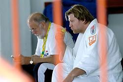26-05-2006 JUDO: EUROPEES KAMPIOENSCHAP: TAMPERE FINLAND<br /> Een teleurgestelde Cor en Dennis van der Geest<br /> ©2006-WWW.FOTOHOOGENDOORN.NL