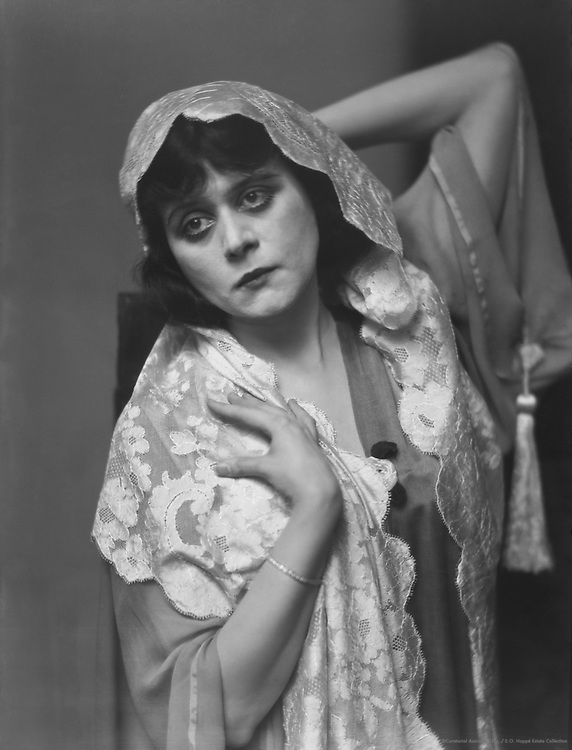 """Theda Barra, film and stage  actress, nicknamed """"The Vamp"""", 1920"""