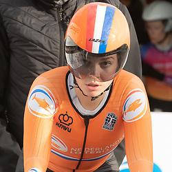 11-03-2021: Wielrennen: Healthy Ageing Tour: Lauwersoog. <br />Nicole Steigenga