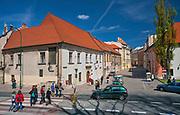 Dom Jana Długosza przy ulicy Kanoniczej 25 w Krakowie, widok od strony ulicy Podzamcze, Polska<br /> Jan Dlugosz's House at 25 Kanonicza Street in Cracow, view from Podzamcze Street, Poland