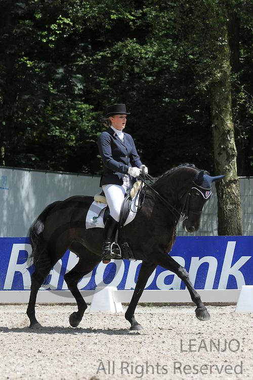 Stephanie Kok - Tessa<br /> CHIO Rotterdam 2012<br /> © DigiShots - Esmee van Gijtenbeek