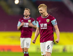 BURNLEY, ENGLAND - Tuesday, December 29, 2020: Burnley's goal-scoring match winning captain Ben Mee celebrates at the final whistle the FA Premier League match between Burnley FC and Sheffield United FC at Turf Moor. Burnley won 1-0. (Pic by David Rawcliffe/Propaganda)