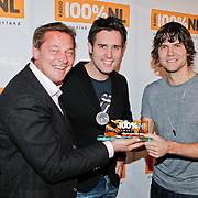 NLD/Hilversum/20110111 - Uitreiking 100% NL awards 2010, Albert Verlinde en Nick & Simon, Nick Schilder en Simon Keizer