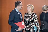 27 FEB 2019, BERLIN/GERMANY:<br /> Jens Spahn (L), CDU, Bundesgesundheitsminister, und Julia Kloeckner (R), CDU, Bundeslandwirtschaftsministerin, im Gespraech, vor Beginn der Kabinettsitzung, Bundeskanzleramt<br /> IMAGE: 20190227-01-006<br /> KEYWORDS: Kabinett, Sitzung, Gespräch, Julia Klöckner