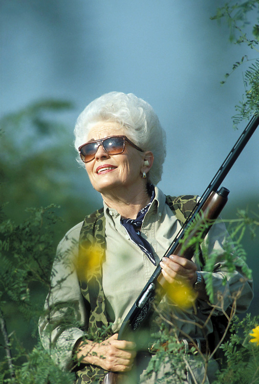 Austin, TX March 9, 2006: FILE PHOTO of former Texas Governor Ann Richards. Richards, 72, has been diagnosed with cancer of the esophagus, a rare and often fatal disease in women. Richards dove-hunting near Terrell, TX 1992. ©Bob Daemmrich /