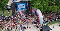 27.06.2015, Metnitzstrand, Klagenfurt am Wörthersee, AUT, Ironmen Austria 2015, Vorberichte, Irongirl, im Bild Warmup and Start, Luftaufnahme, Luftbild, Drohne, Fotodrohne // Airpicture taken with a drone during theIrongirl Austria aheat of the 2015 Ironmen Austria at the Metnitzstrand, Klagenfurt, Austria on 2015/06/27. EXPA Pictures © 2015, PhotoCredit: EXPA/ Gert Steinthaler