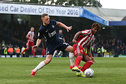 Sam Mantom of Southend United challenges Kazaiah Sterling of Sunderland the - Mandatory by-line: Arron Gent/JMP - 04/05/2019 - FOOTBALL - Roots Hall - Southend-on-Sea, England - Southend United v Sunderland - Sky Bet League One