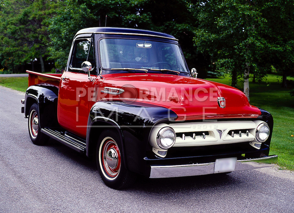 1953 Ford F-100 Pick Up Truck