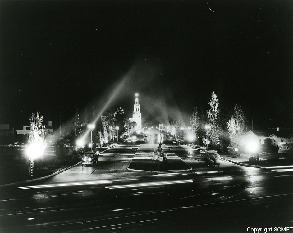 1931 Premiere at the Carthay Circle Theater