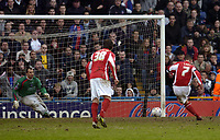 Photo: Olly Greenwood.<br />Crystal Palace v Crewe Alexander. Coca Cola Championship. 15/04/2006. Crewes Kenny Lunt scores a penalty