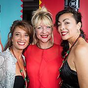NLD/Amsterdam/20160915 - Presentatie Manuale's Hot Sauces van Manuela Kemp, Manuela Kemp met Suzanne en Monique Klemann van Lois Lane