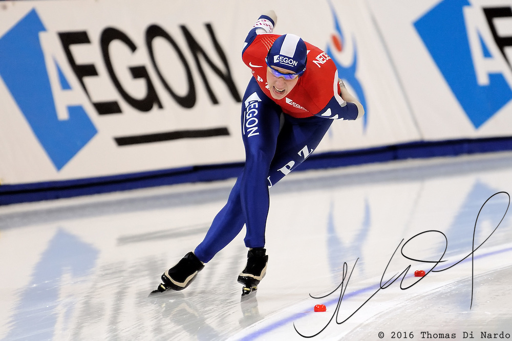 Jorien Voorhuis (NED) competes in the ladies 5000m event at the 2009 Essent ISU World Single Distances Speed Skating Championships.