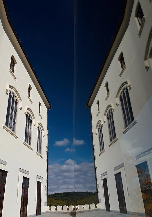 Orlik castle - Reflection