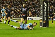 Pete Horne scores try during the 1872 Challenge Cup, Guinness Pro 14 2018_19 match between Edinburgh Rugby and Glasgow Warriors at BT Murrayfield Stadium, Edinburgh, Scotland on 22 December 2018.