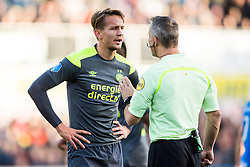(L-R) Luuk de Jong of PSV, referee Bjšrn Kuipers during the Dutch Eredivisie match between PEC Zwolle and PSV Eindhoven at the MAC3Park stadium on November 19, 2017 in Zwolle, The Netherlands