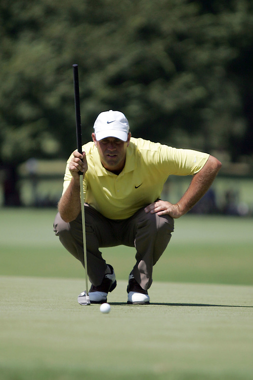 09 August 2007: Stewart Cink analyzes the 3rd green during the first round of the 89th PGA Championship at Southern Hills Country Club in Tulsa, OK.