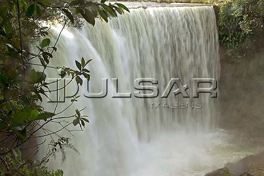 Cachoeira da Fumaça no Rio Balsas na cidade de Ponte Alta do Tocantins - Jalapão Local: Ponte Alta do Tocantins - TO Data: 02/2008 Tombo:  19DM056 Autor: Delfim Martins