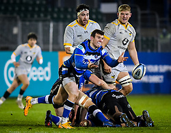 Ben Spencer of Bath Rugby passes the ball as Jeff Toomaga-Allen and Jack Willis of Wasps watch on - Mandatory by-line: Andy Watts/JMP - 08/01/2021 - RUGBY - Recreation Ground - Bath, England - Bath Rugby v Wasps - Gallagher Premiership Rugby