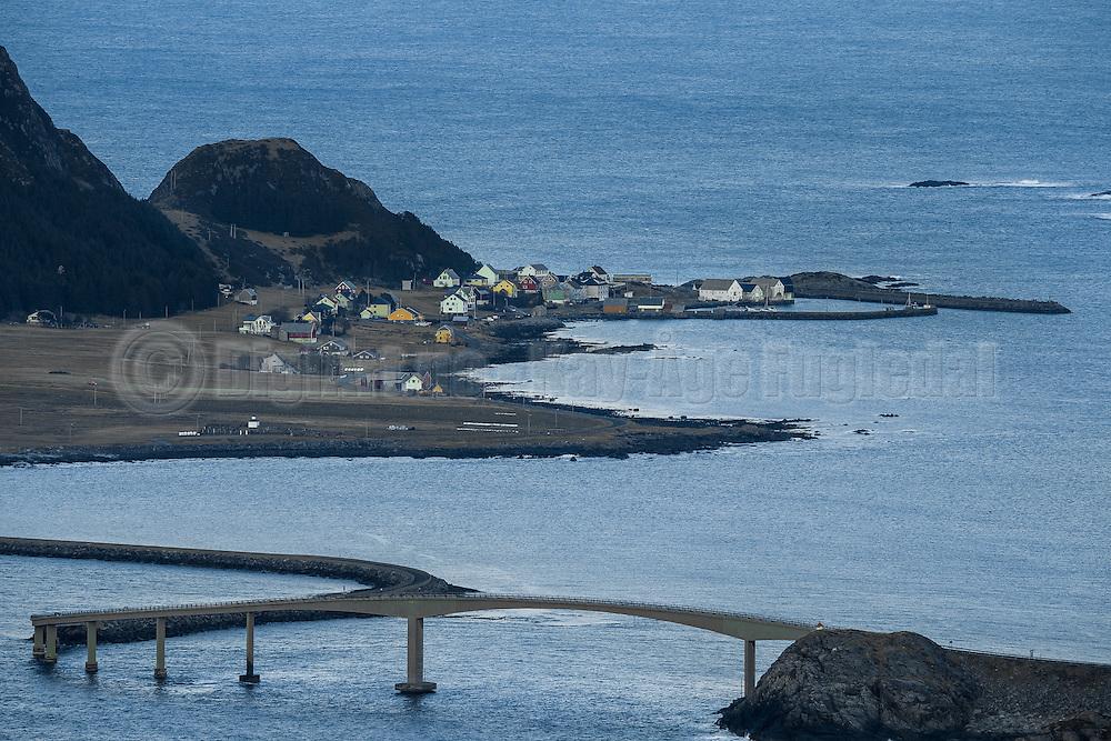 Runde, late January, with Runde bridge in the front   Runde en ettermiddag sent i Januar, med Rundebrua i forgrunnen.