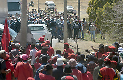South Africa - Senekal - 16 October 2020. Police officials standing between a group of farmers and members of the EFF during the court appearace of the two accused in the murder of Brendin Horner.<br /> Picture: Oupa Mokoena/African News Agency (ANA)