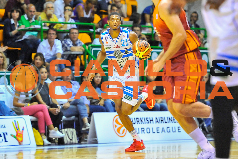 """DESCRIZIONE : Torneo Città di Sassari """"Mimì Anselmi"""" Dinamo Banco di Sardegna Sassari - Galatasaray<br /> GIOCATORE : Jeff Brooks<br /> CATEGORIA : Palleggio<br /> SQUADRA : Dinamo Banco di Sardegna Sassari<br /> EVENTO :  Torneo Città di Sassari """"Mimì Anselmi"""" <br /> GARA : Dinamo Banco di Sardegna Sassari - Galatasaray<br /> DATA : 14/09/2014<br /> SPORT : Pallacanestro <br /> AUTORE : Agenzia Ciamillo-Castoria / Luigi Canu<br /> Galleria : Precampionato 2014/2015<br /> Fotonotizia : Torneo Città di Sassari """"Mimì Anselmi"""" Dinamo Banco di Sardegna Sassari - Galatasaray<br /> Predefinita :"""