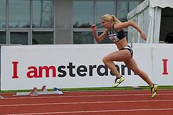 30-07-2011 ATLETIEK: NK OUTDOOR: AMSTERDAM<br /> Sanne Verstegen series 400 meter vrouwen<br /> ©2011-FotoHoogendoorn.nl / Peter Schalk