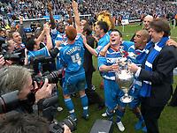Photo: Ed Godden.<br /> Reading v Queens Park Rangers. Coca Cola Championship. 30/04/2006. Reading players Graeme Murty (Captain) and James Harper celebrate with club Chairman, John Madejski.