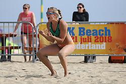 20160724 NED: NK Beachvolleybal 2016, Scheveningen <br />Roos van der Hoeven<br />©2016-FotoHoogendoorn.nl / Pim Waslander