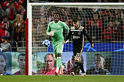 (l-r) Ajax goalkeeper Andre Onana during the UEFA Champions League group E match between  SL Benfica and Ajax Amsterdam at Estadio La Luz on November 97, 2018 in Lisbon, Portugal
