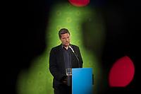 DEU, Deutschland, Germany, Berlin, 11.05.2020:  Dr. Robert Habeck, Bundesvorsitzender von BÜNDNIS 90/DIE GRÜNEN, bei einer Pressekonferenz in der Bundesgeschäftsstelle der Grünen.
