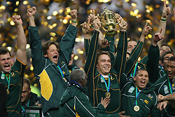 Oct 20, 2007 - Paris, France - Rugby World Cup 2007: Captain John Smit with the William Webb Ellis trophy. South Africa beat England 15-6 in the final match to win the Cup.  (Credit Image: © JB AUTISSIER/Fep/Panoramic/ZUMA Press)