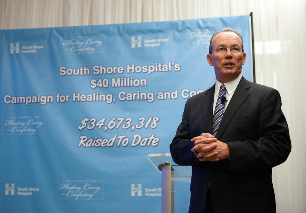 Weymouth, MA 01/23/2012.Alan McKim donation event.Alex Jones / www.alexjonesphoto.com