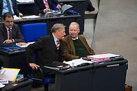 DEU, Deutschland, Germany, Berlin, 12.12.2017: Armin-Paulus Hampel und Alexander Gauland, Vorsitzender der Bundestagsfraktion der AfD (Alternative für Deutschland), während einer Plenarsitzung im Deutschen Bundestag.