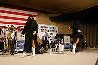 arijjan kuweit..uso show 2006 daryl worley.dallas cowboy cheerleaders.Sherythia Willie (mulatto).Laura Beke (caucasian).
