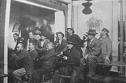 """Reprodução de foto do Museu do Imigrante, em São Leopoldo mostra os senhores tão compenetrados que são membros do """"Separat"""" na tradicional noitada de bolão das terças–feiras. FOTO: Lucas Uebel/Preview.com"""