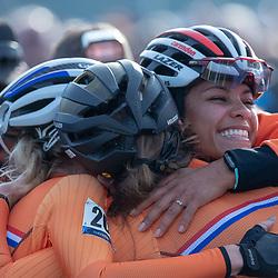 04-11-2018: Wielrennen: EK veldrijden: Rosmalen <br />Ceylin Del Carmen Alvarado (Rotterdam)  pakt de Europese titel bij de vrouwen onder de 23 jaar. Inge van der Heijden en Fleur Nagengast maakten het Nederlqndse podium compleet