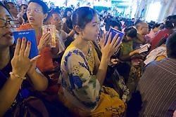 Praying, Festival Of The Moon, Shwedagon Pagoda