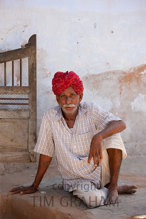 Indian man wearing traditional Rajasthani turban in village of Nimaj, Rajasthan, Northern India
