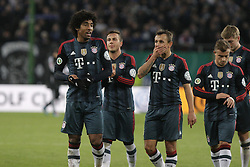 13.02.2014, Imtech Arena, Hamburg, GER, DFB Pokal, Hamburger SV vs FC Bayern Muenchen, Viertel Finale, im Bild Dante, Rafinha (FCB) // during the German DFP Pokal Quaterfinal match between Hamburger SV and Fc Bayern Munich at the Imtech Arena in Hamburg, Germany on 2014/02/13. EXPA Pictures © 2014, PhotoCredit: EXPA/ Eibner-Pressefoto/ Latendorf<br /> <br /> *****ATTENTION - OUT of GER*****