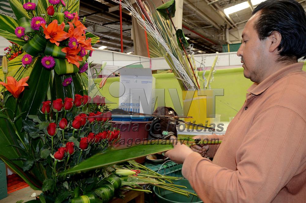 Rayón, México.- Productores de flor, establecidos en Floracopio esperan tener una mejor venta de su producto a partir del 12 y hasta el 15 de febrero por el día del Amor y la Amistad o día de San Valentín, y señalan que a pesar de que sube la flor ellos tendrán unos precios accesibles y mejor que en otros establecimientos. Agencia MVT / José Hernández