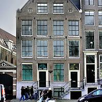 Nederland, Amsterdam , 15 november 2011..Prins Hendrikkade 173 t/m 175 waar illegaal kamers verhuurd worden. .Foto:Jean-Pierre Jans