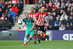 March 9, 2019 - Southampton, England, United Kingdom - Tottenham forward Harry Kane tries in vain to get the ball in the net during the Premier League match between Southampton and Tottenham Hotspur at St Mary's Stadium, Southampton on Saturday 9th March 2019. (Credit Image: © Mi News/NurPhoto via ZUMA Press)