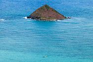 Outrigger canoe team off the Mokulua Islands, Lanikai Beach, Kailua, Oahu, Hawaii