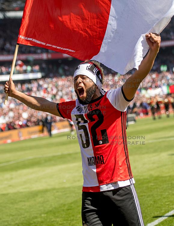 14-05-2017 NED: Kampioenswedstrijd Feyenoord - Heracles Almelo, Rotterdam<br /> In een uitverkochte Kuip speelt Feyenoord om het landskampioenschap / Spelers van Feyenoord vieren het kampioenschap. Tonny Vilhena #10