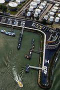 Nederland, Zuid-Holland, Rotterdam, 10-06-2015; Geulhaven met verkeerspost en radarpost. Havendienst en Loodsdienst. Ligplaatsen voor de binnenvaart.<br /> Port authority and  radar station,<br /> berths for inland shipping. <br /> <br /> luchtfoto (toeslag op standard tarieven);<br /> aerial photo (additional fee required);<br /> copyright foto/photo Siebe Swart