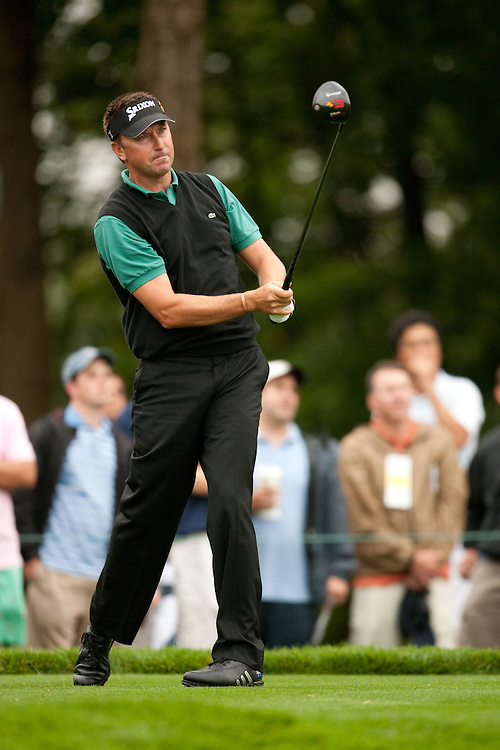FARMINGDALE, NY - JUNE 19:  Robert Allenby hits his tee shot during the continuation of the first round of the 109th U.S. Open Championship on the Black Course at Bethpage State Park on Friday, June 19, 2009. (Photograph by Darren Carroll) *** Local Caption *** Robert Allenby