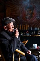 Chine, Province du Sichuan, Chengdu, maison de thé  // China, Sichuan province, Chengdu, old tea house