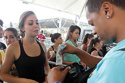 Movimento de público no segundo dia do Planeta Atlântida 2014/RS, que acontece nos dias 07 e 08 de fevereiro de 2014, na SABA, em Atlântida. FOTO: Itamar Aguiar/ Agência Preview